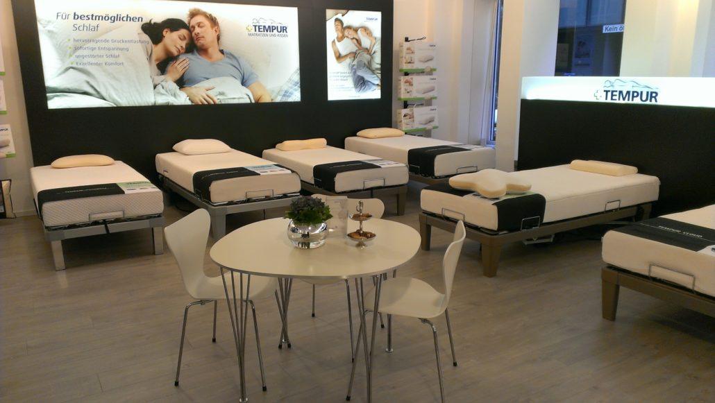 d sseldorf bekommt sein eigenes parkett. Black Bedroom Furniture Sets. Home Design Ideas